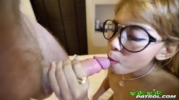 Bubble butt Thai cutie in glasses gets petite frame rocked by white tourist