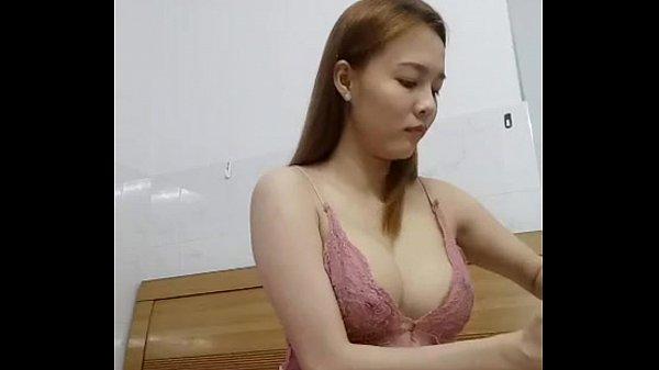 Pattaya Holel Girl HOT Dance 2017